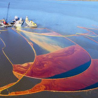 Upijači i čistači nafte, ulja i kemikalija na tlu, vodama, moru